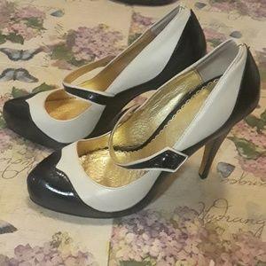 Bebe two tone black n white heels
